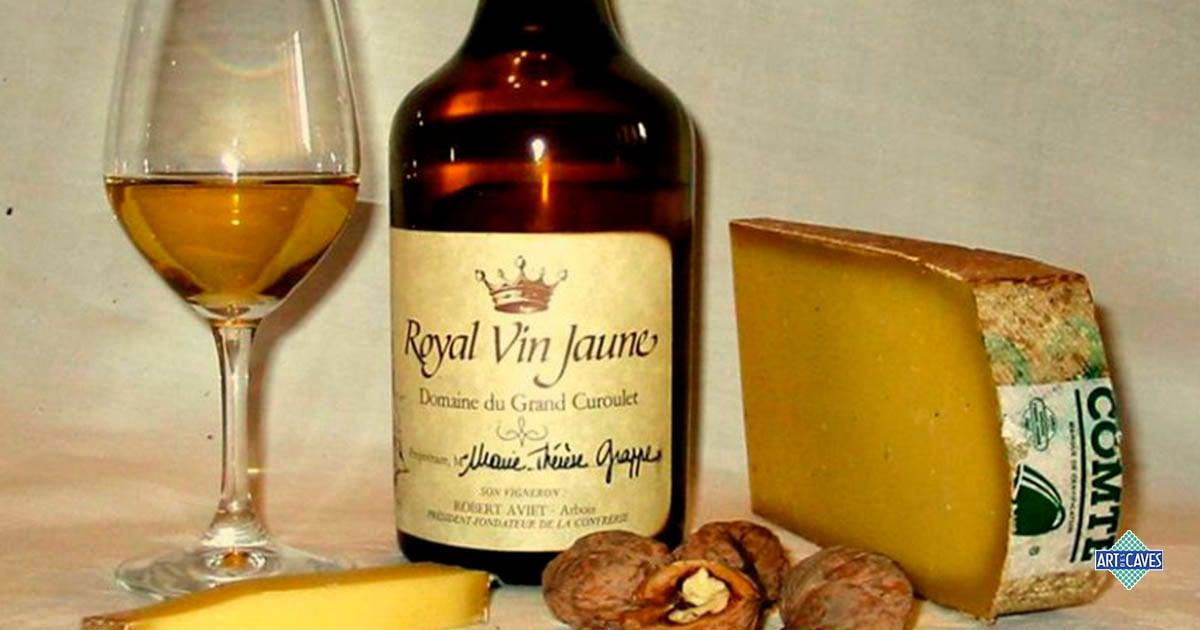 A embalagem peculiar do vinho amarelo