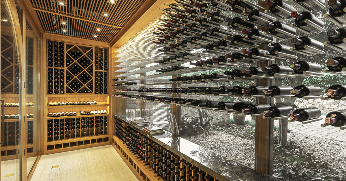 Como organizar os vinhos na adega – o método perfeito para todo colecionador