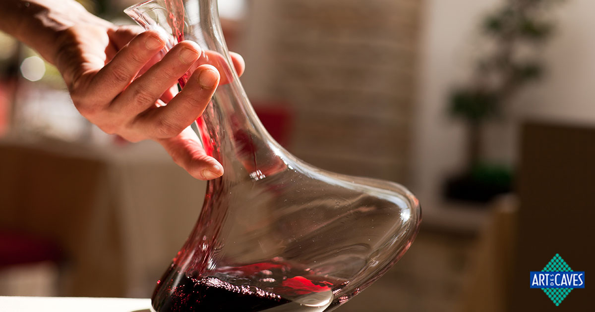 Por que decantar um vinho e como fazer